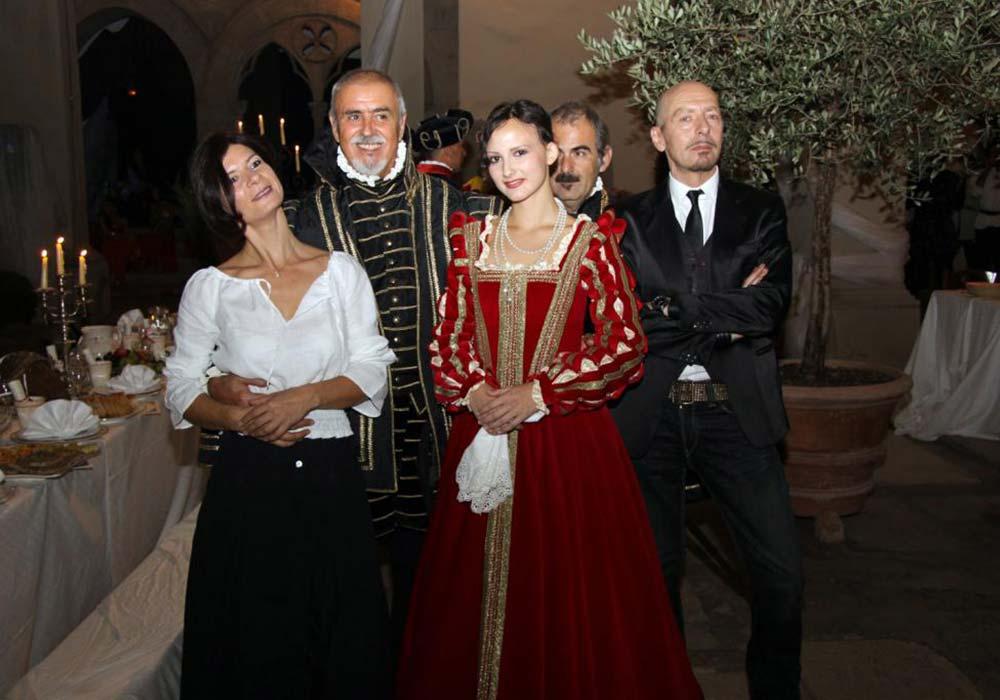 Convivio 2011 - Gruppo di Ospiti in costume