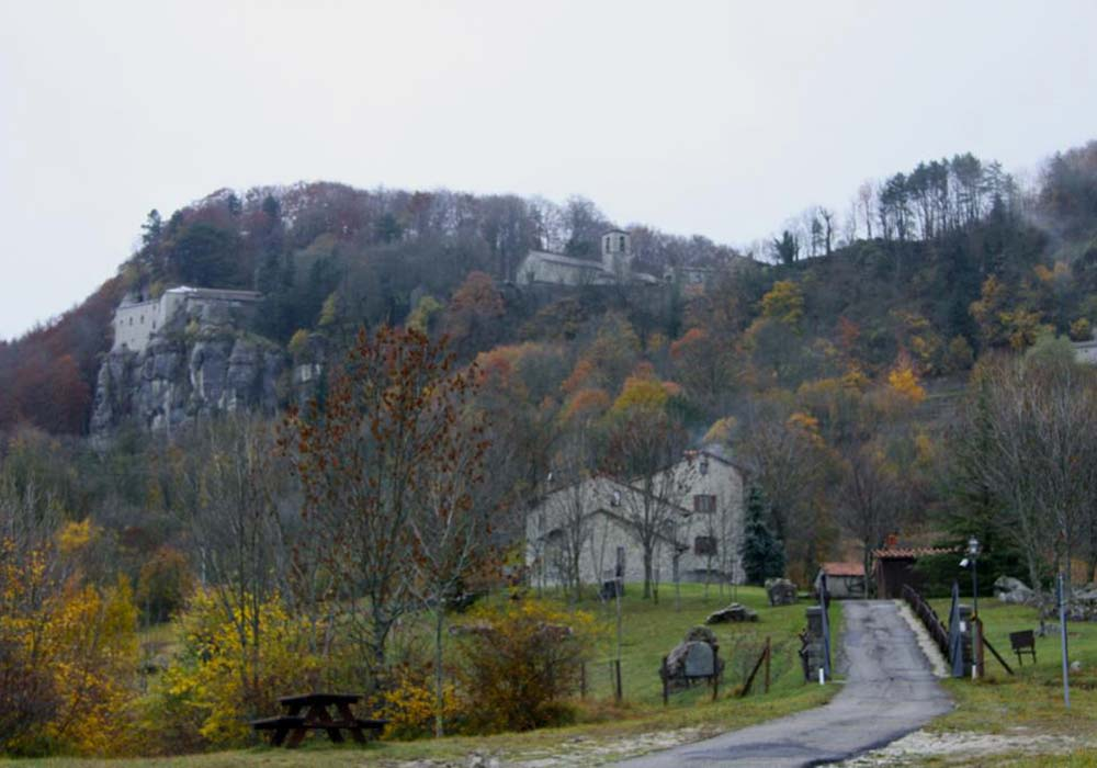 Il santuario visto da Beccia - frazione del comune di Chiusi della Verna