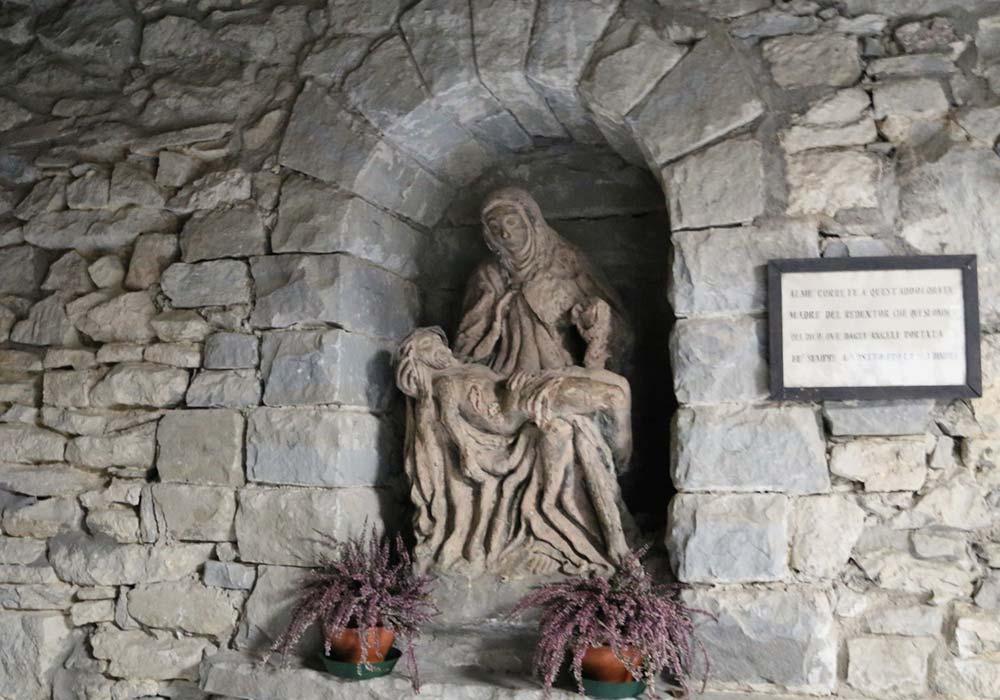 Pieta di creta